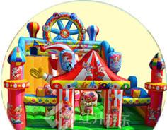充气城堡/水上乐园儿童游乐设备厂家-红升游乐设备生产紧跟潮流