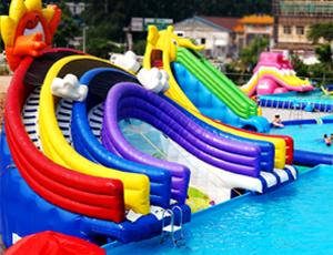 水上乐园-彩虹水滑梯
